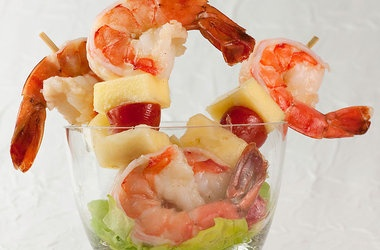 Shrimp and Pineapple Kebabs with Lime Viniagriette Recipes. #Recipes