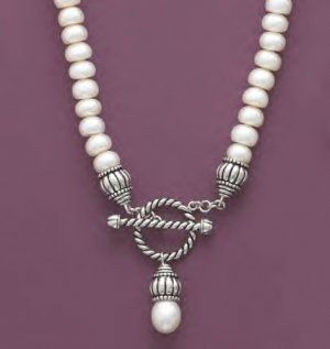 Button Pearl Toggle Necklace