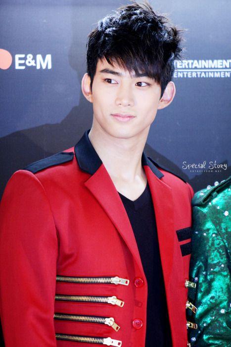 ok taecyeon how tall