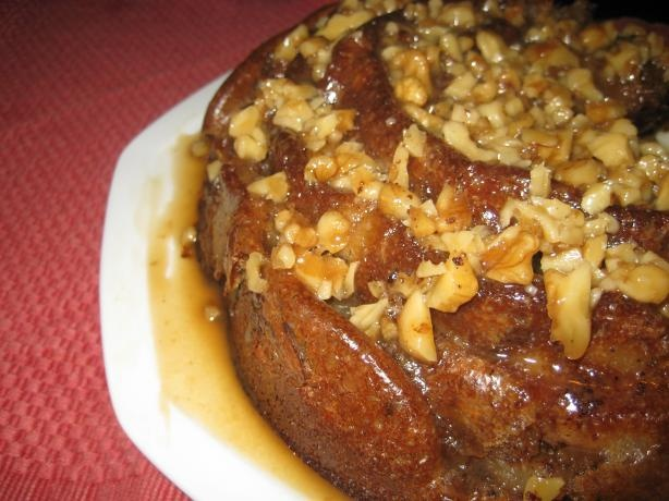Pear Spice Bundt Cake With Walnut Praline Topping. Photo by Chouny