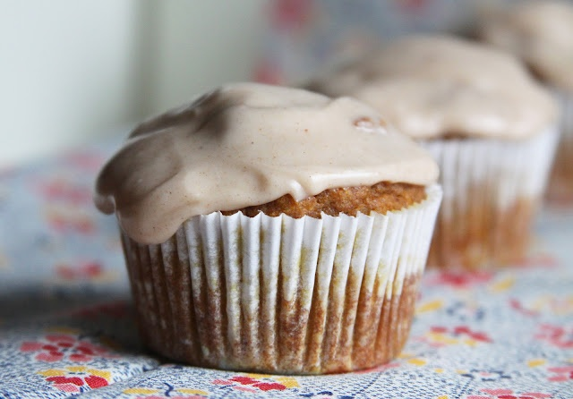 cupcake- Whole wheat pumpkin Cupcakes and Cream Cheese Frosting ...