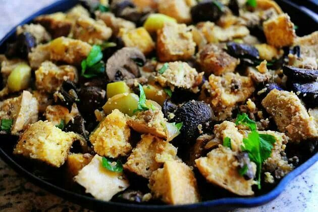 golden raisins brown bread stuffing with chestnuts apples and sausage ...