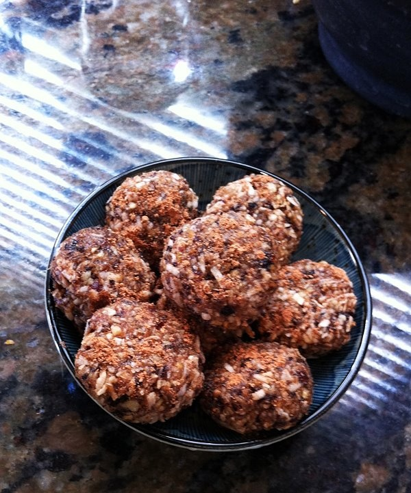 bites bites dried fruit and nut larabars recipe yummly dried fruit and ...
