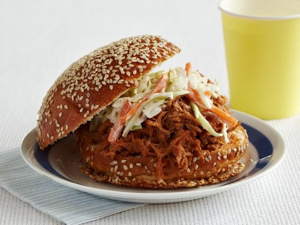 Slow-Cooker Pulled Pork Sandwiches | Recipe