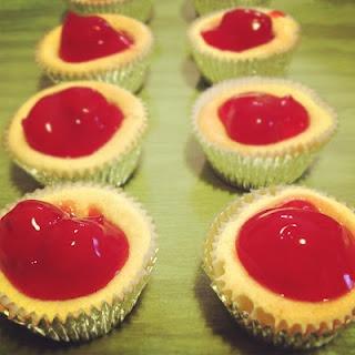 Yummy! Mini Cherry Cheesecakes
