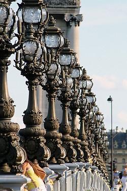 Puente Alejandro III ♦ Paris, France
