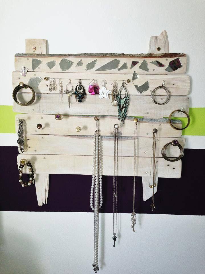 Pallet Jewelry Holder DIY Pinterest