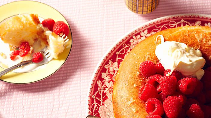 Rum savarin with raspberries (savarin au rhum et aux framboises ...