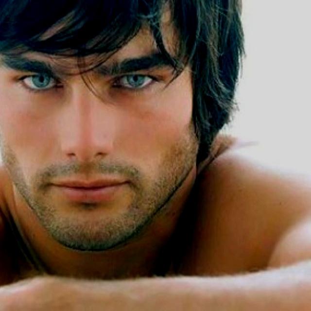 ... ...dk who he is but I'm a sucker for dark hair n blue eyes....damn