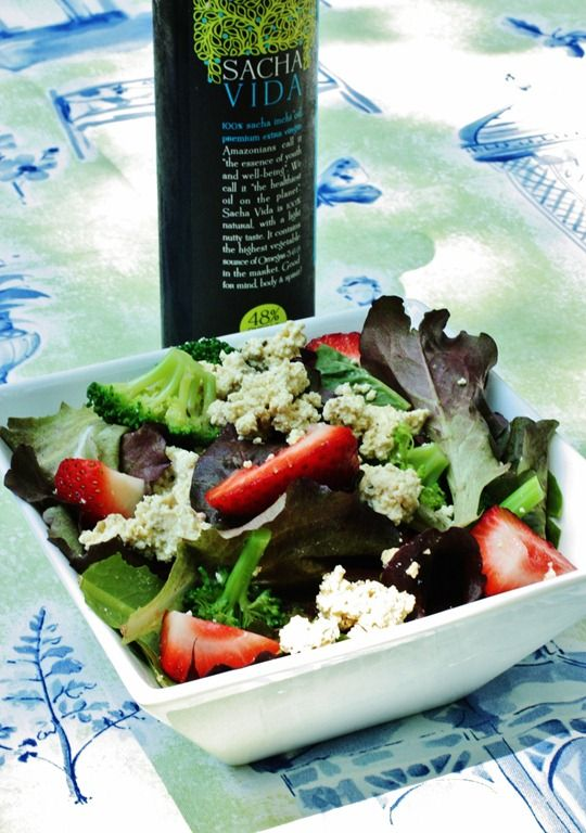 Quick Strawberry and Tofu Ricotta Salad with Basil and Balsamic ...