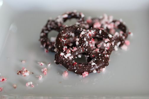 Dark Chocolate covered Pretzels with Crushed Peppermint Candies- i'd ...
