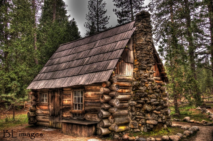 Yosemite national park rustic cabin log cabins pinterest - The wood cabin on the rocks ...