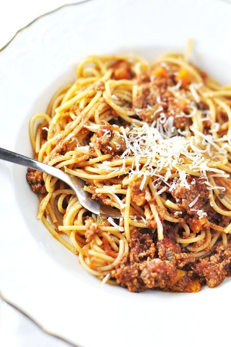 slow cooker bolognese... perfect weeknight meal!