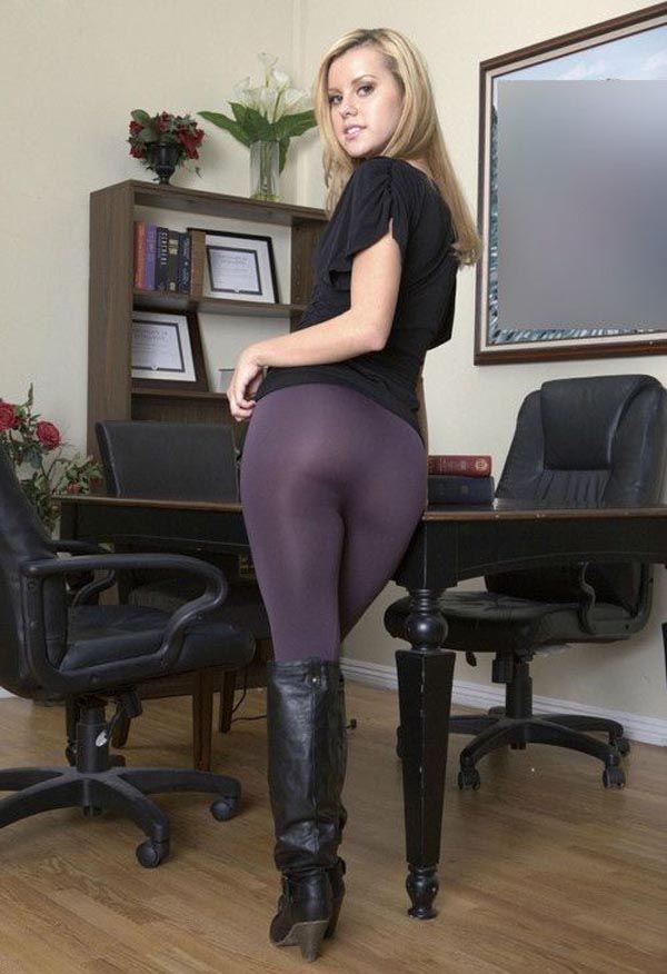 Does anyone else love when women wear leggings? - Page 2 ...