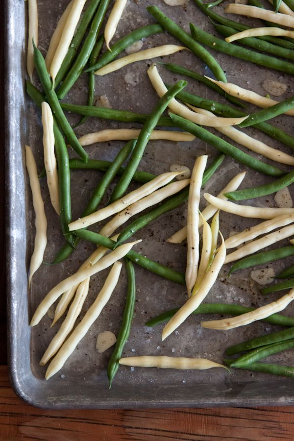 ... flavors too! - Roasted Green Beans with Goat Cheese from @Gaby Dalkin