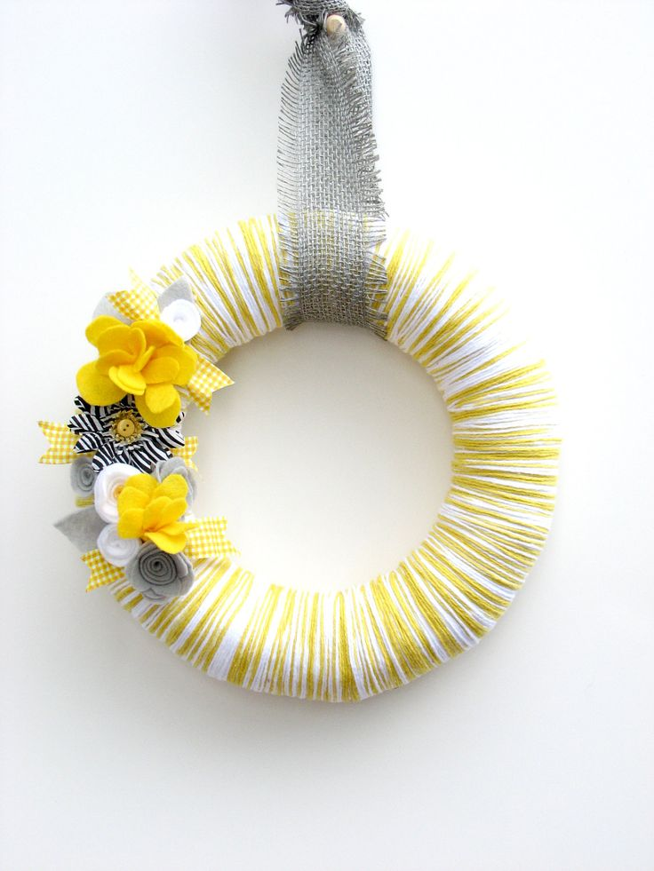 "12"" Yellow yarn wreath with gray, white and yellow felt flowers - The ..."