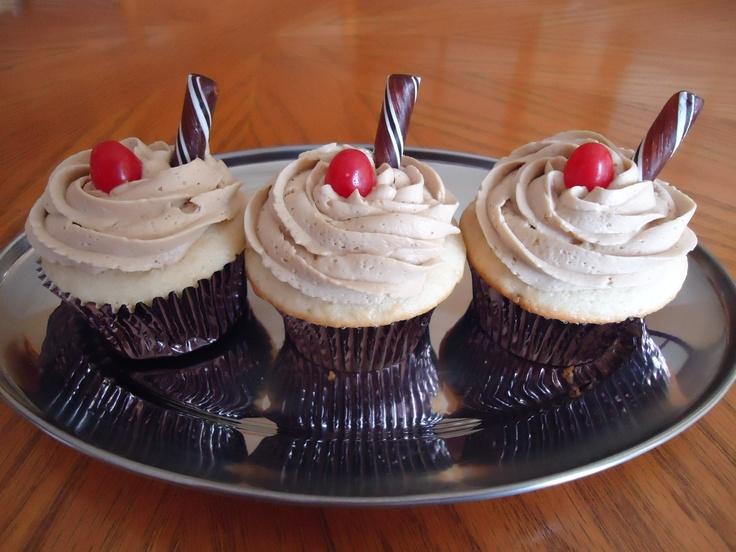 Root Beer Float Cupcakes | My Cupcakes | Pinterest