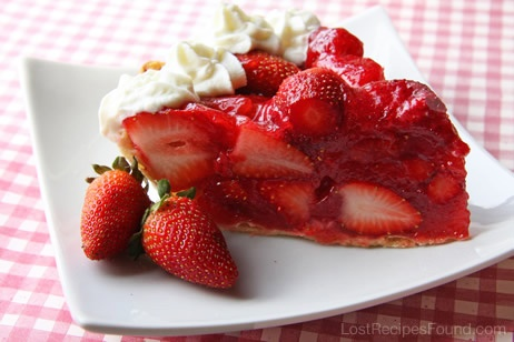 Vintage Strawberry Pie with recipe link