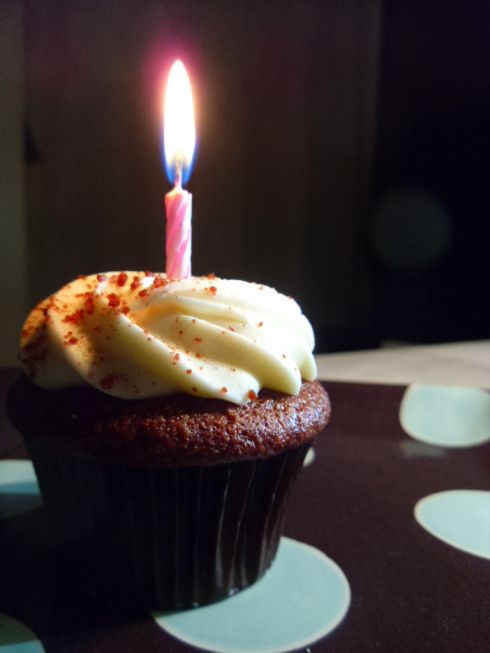 red velvet birthday cupcakes. | Sweets~ | Pinterest