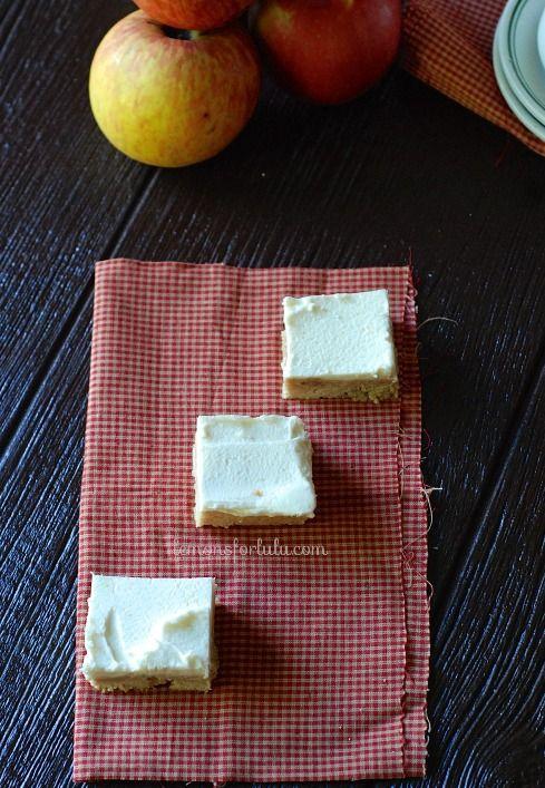Apple Cinnamon Sugar Cookie Bars www.lemonsforlulu.com