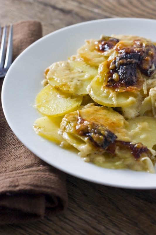 Potato Gratin With Gruyere, Bacon, And Leeks Recipe — Dishmaps