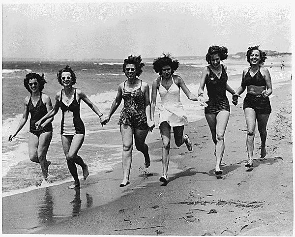 1940s bathing beauties