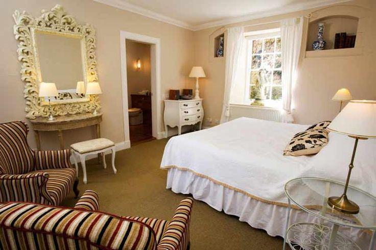 Pretty hotel room interiors pinterest for Pretty rooms pinterest