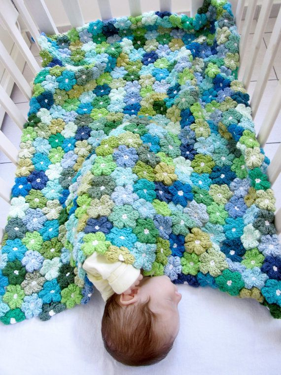 Crocheted Flowered Baby Blanket - this is beautiful.