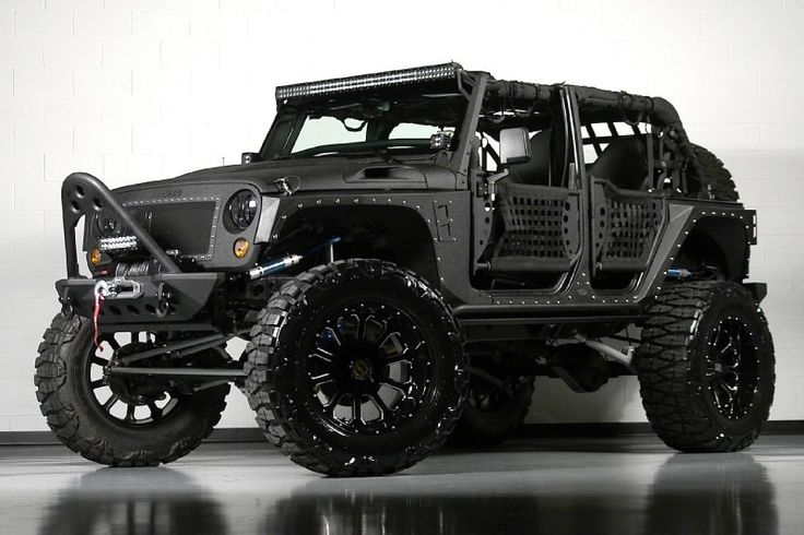 Jeep Wrangler Unlimited con Full Metal Jacket Kevlar photos