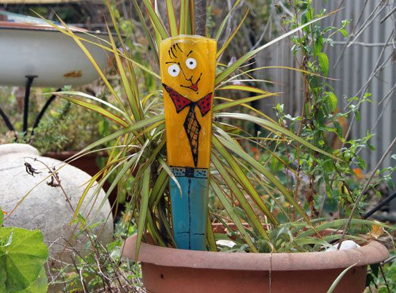 Funky fused glass plant stakes and garden decor stakes for Funky garden accessories
