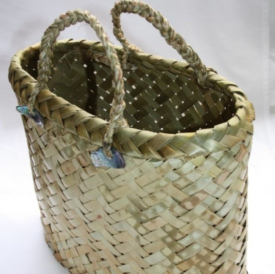 Basket Weaving Nz : Woven flax kete straw hats and baskets