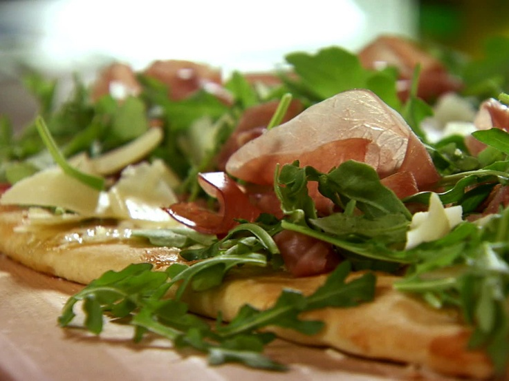 Fig-Prosciutto Pizza with Arugula from FoodNetwork.com