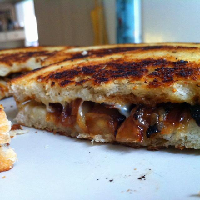 French onion soup sandwich--yum! | Tasty! | Pinterest