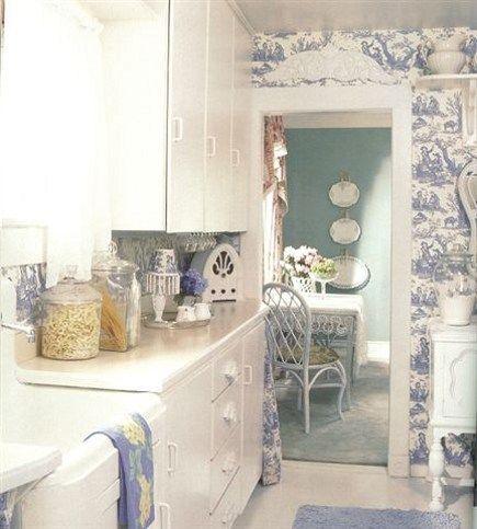 Toile wallpaper toile pinterest for Blue kitchen wallpaper