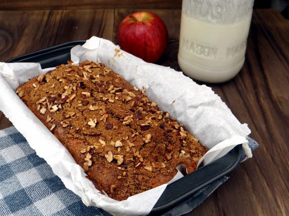 Apple yogurt coffee cake | Desserts and Baking | Pinterest