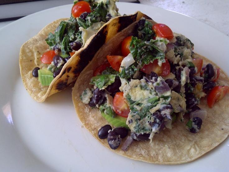 kale, black bean, and avocado breakfast tacos // homemade   Yummy ...