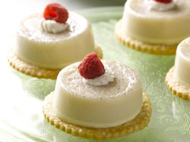 Buttermilk Panna Cotta with Raspberries | Dessert | Pinterest