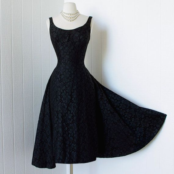 I love this!   vintage 1950s dress  dramatic designer couture SUZY by traven7