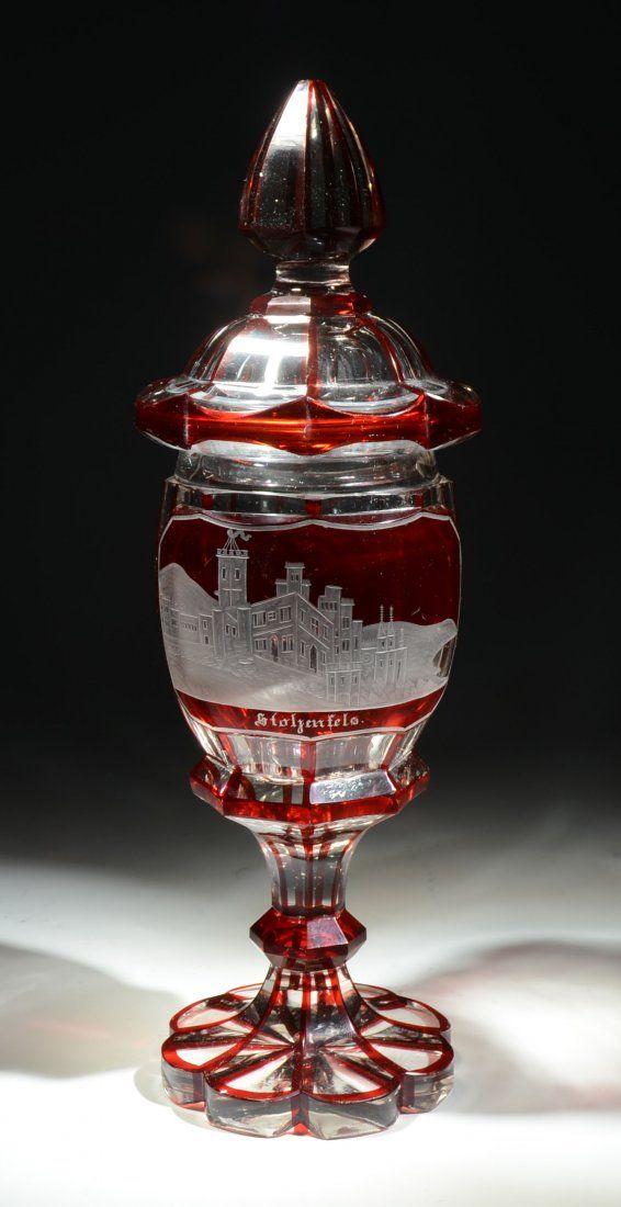 Чешский гравировкой Прозрачное стекло Pokal, Ruby Витражи, грань-Cut тела, поднял переднюю панель с колесом-Cut города Scene - чешские c.1875