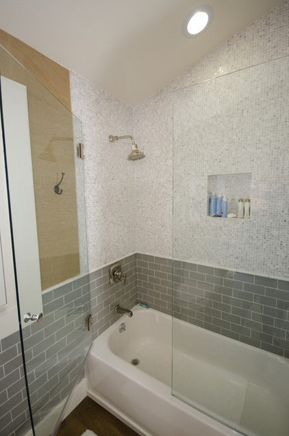 Tile around tub designs google search sagamore house for Bathroom designs tub shower combination