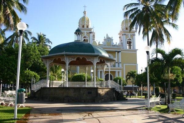 Villa de alvarez colima ciudades mexicanas pinterest for Jardin de villa de alvarez colima