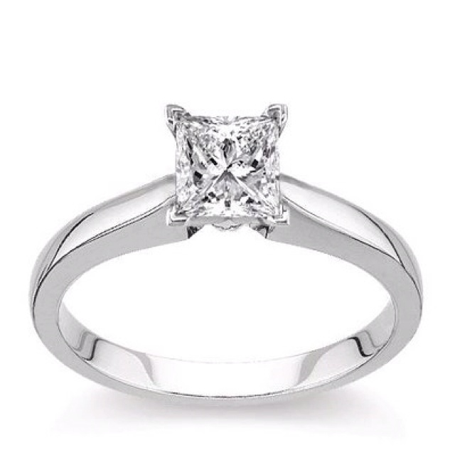 Princess cut. michael hill has a stunning version like this!