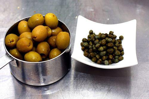 artichoke olive crostini | Recipes | Pinterest
