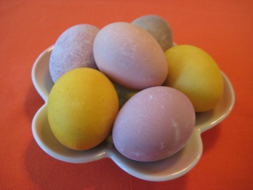 Naturally Dyed Easter Eggs | Recipe