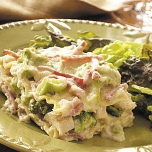 Broccoli+Chicken+Lasagna  = YUMMY!! (Taste of Home Recipe) favorite-recipes