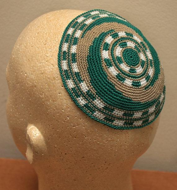 Crochet Yarmulke Patterns : Beautiful crocheted kippah from Massachusetts.