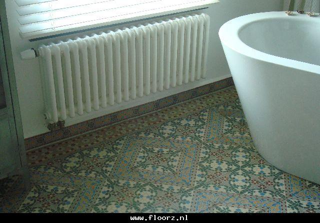 Complete Badkamer Te Koop ~   floor tiles in bathroom Antieke keramische vloertegels in badkamer