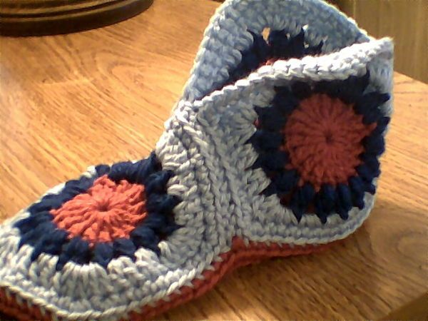 Crochet Pattern For Granny Square Slippers : Pin by Jackie Poloski on Craft Ideas Pinterest