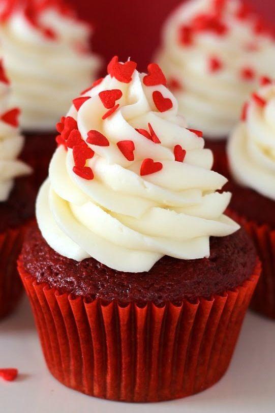Mmmmmmm red velvet cupcake my favorite