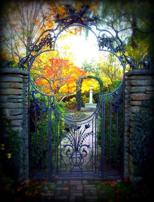 Garden Gate, Dumbarton Oaks, Washington DC  photo via ontheborder